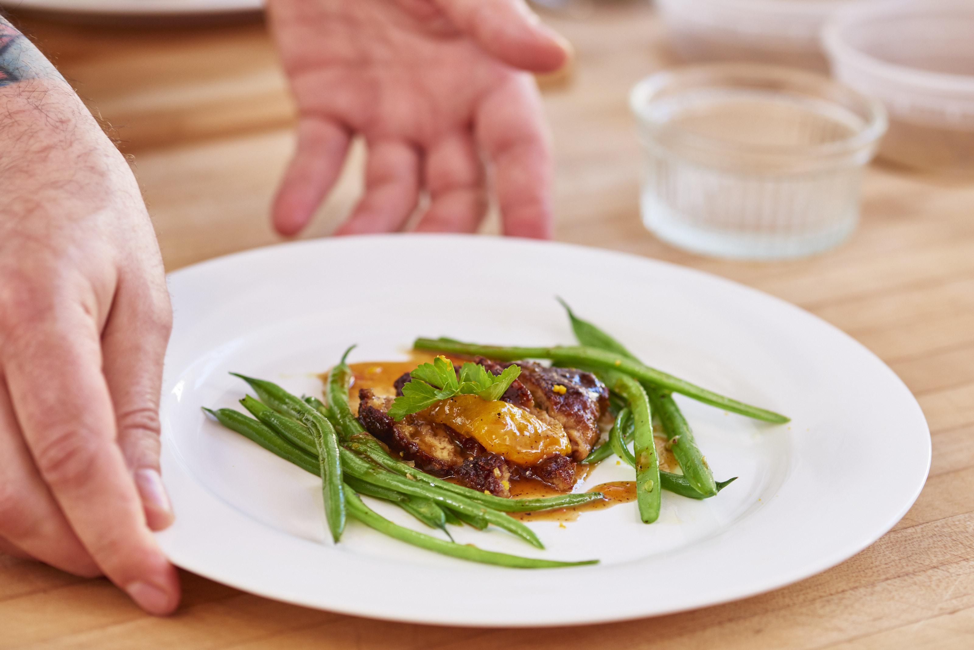 A Memphis Meats kacsahúsából készített narancsos kacsa. Forrás: memphismeats.com